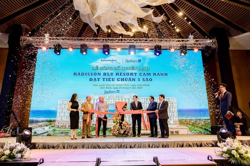 Cam Ranh: Movenpick Resort va Radisson Blu Resort duoc cong nhan 5 sao