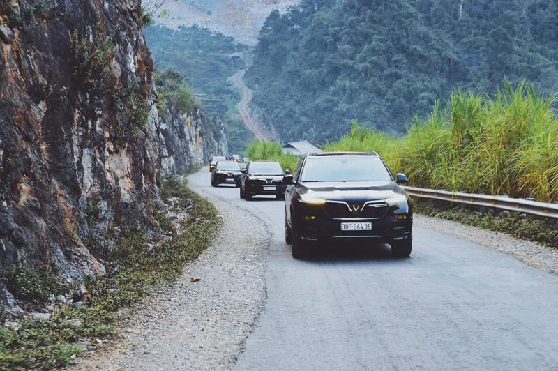 VinFast Lux - dong xe hang sang duoc ua chuong nhat Viet Nam-Hinh-2