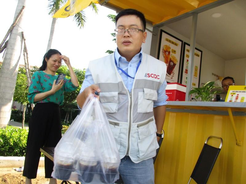 Ca phe Ong Bau den cong truong, tro gia cho cong nhan-Hinh-6