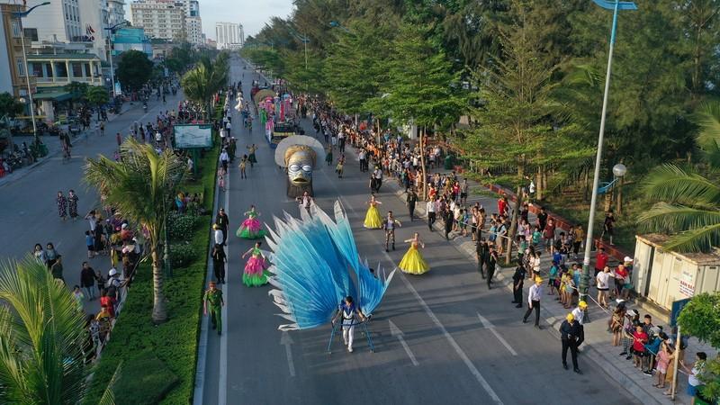 Sam Son tung bung voi Le hoi Carnival duong pho-Hinh-5