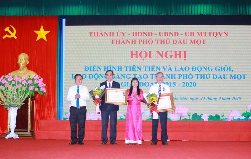 NutiFood vinh du don nhan huan chuong lao dong hang 3