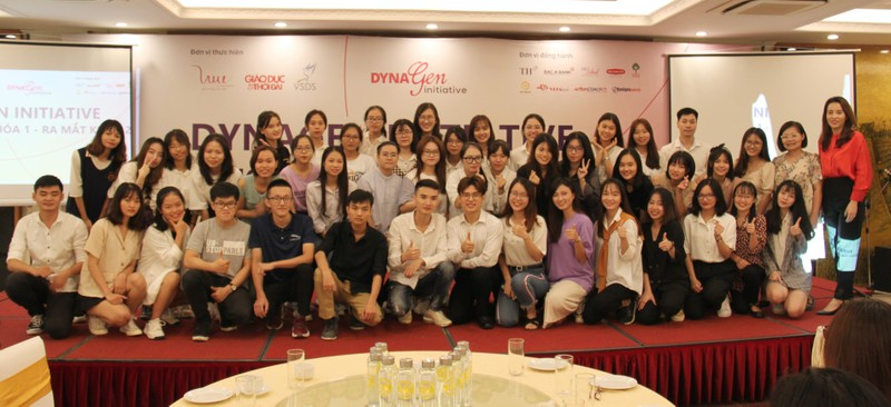 Chinh thuc ra mat sinh vien DynaGen Initiative khoa II