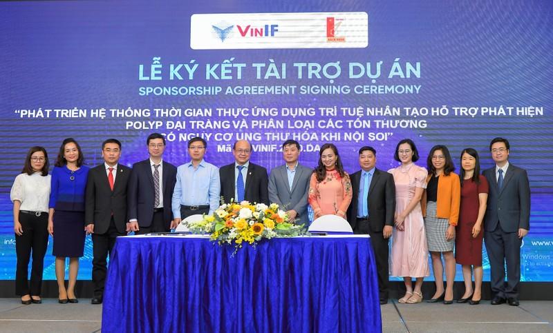 """Nguoi dong hanh"" VinIF va hanh trinh phat trien khoa hoc Viet"