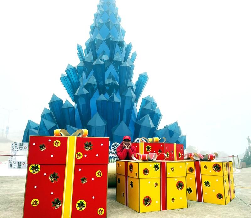 Len Sa Pa don Noel som voi Le hoi mua dong Fansipan-Hinh-3