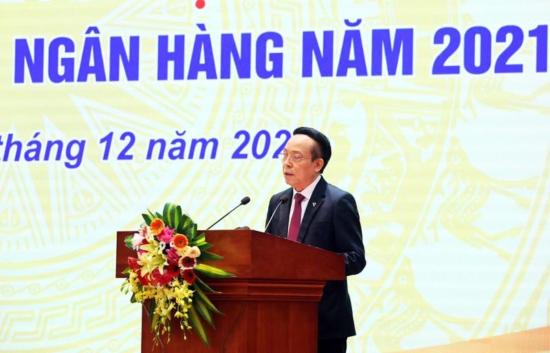 Thu tuong Chinh phu trao tang co thi dua cho TPBank-Hinh-2