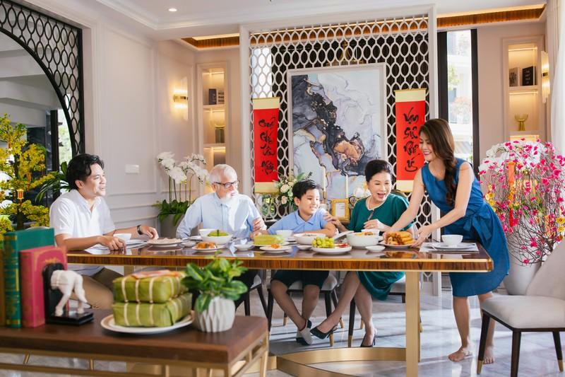NSND Kim Xuan: 'Gia dinh toi da don mot cai Tet an lanh'