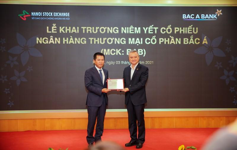 BAC A BANK chinh thuc niem yet co phieu tren san HNX-Hinh-2