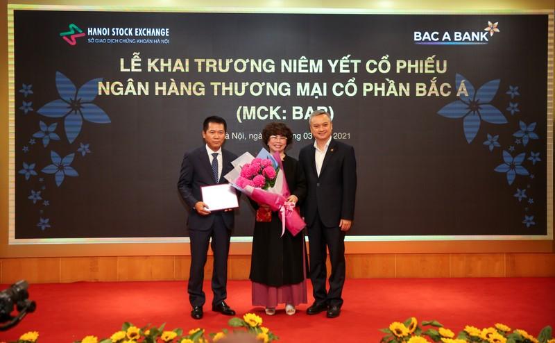 BAC A BANK chinh thuc niem yet co phieu tren san HNX