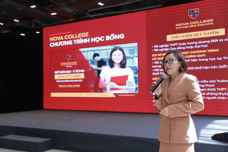 Campus Tour doc dao cua Nova College thu hut hon 400 hoc sinh