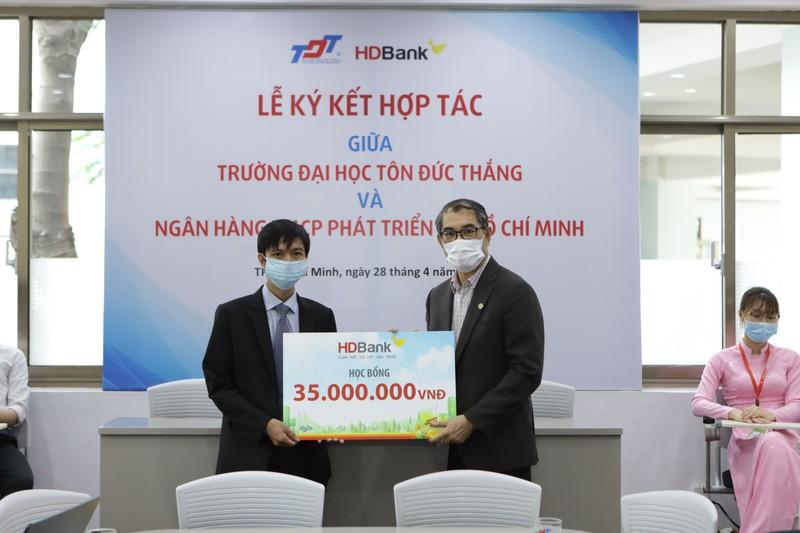 HDBank vua ky ket hop tac toan dien voi Truong Dai hoc Ton Duc Thang-Hinh-2
