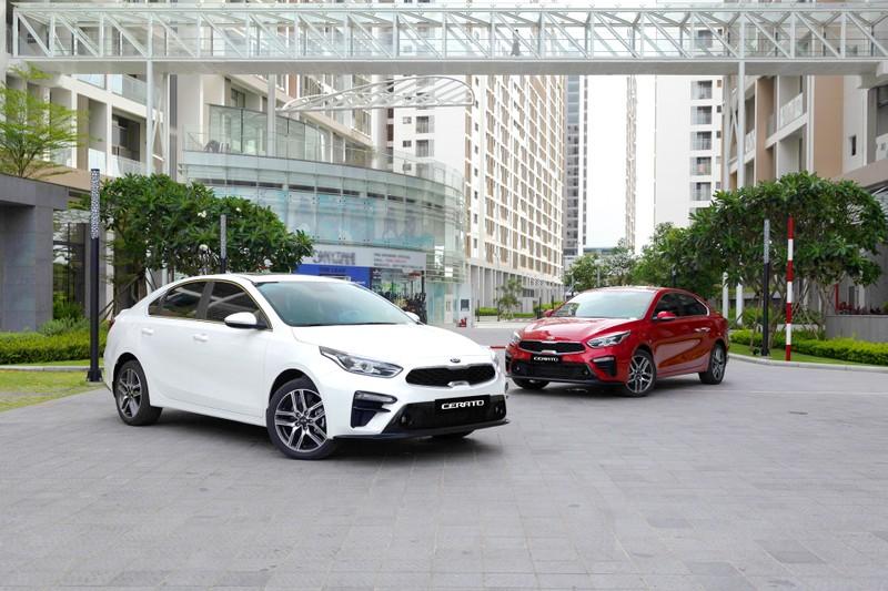 Uu dai dac biet danh cho khach hang mua xe Kia, Mazda trong thang 6/2021