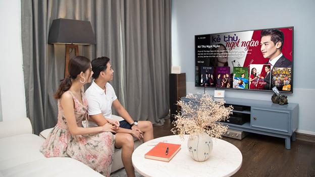 Gian cach xa hoi, nguoi Viet kham pha niem vui trong nhung hoat dong giai tri tai gia cung truyen hinh MyTV-Hinh-2