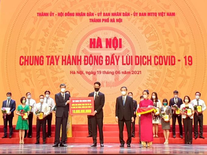 Tan Hoang Minh tiep tuc ung ho cong tac phong chong dich covid - 19-Hinh-2