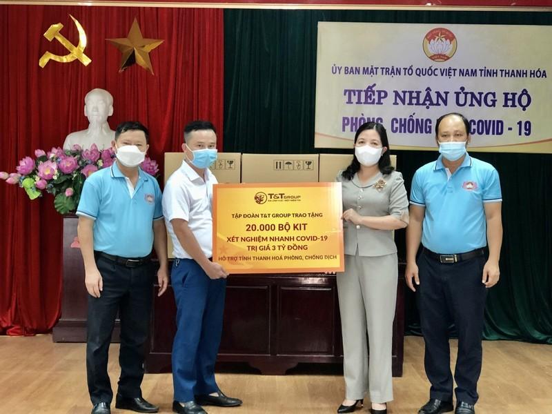 T&T Group tang 50.000 bo kit xet nghiem nhanh cho Thanh Hoa va Kien Giang