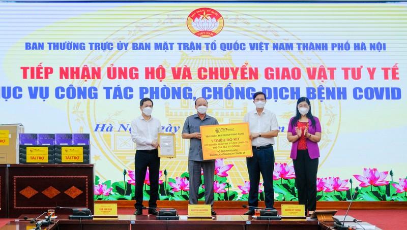 T&T Group tang 1 trieu bo kit xet nghiem PCR COVID-19 tri gia 162 ty dong ho tro TP Ha Noi chong dich