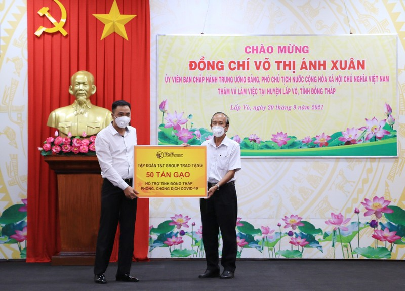T&T Group tang 140.000 bo kit test nhanh COVID-19 ho tro chong dich-Hinh-3