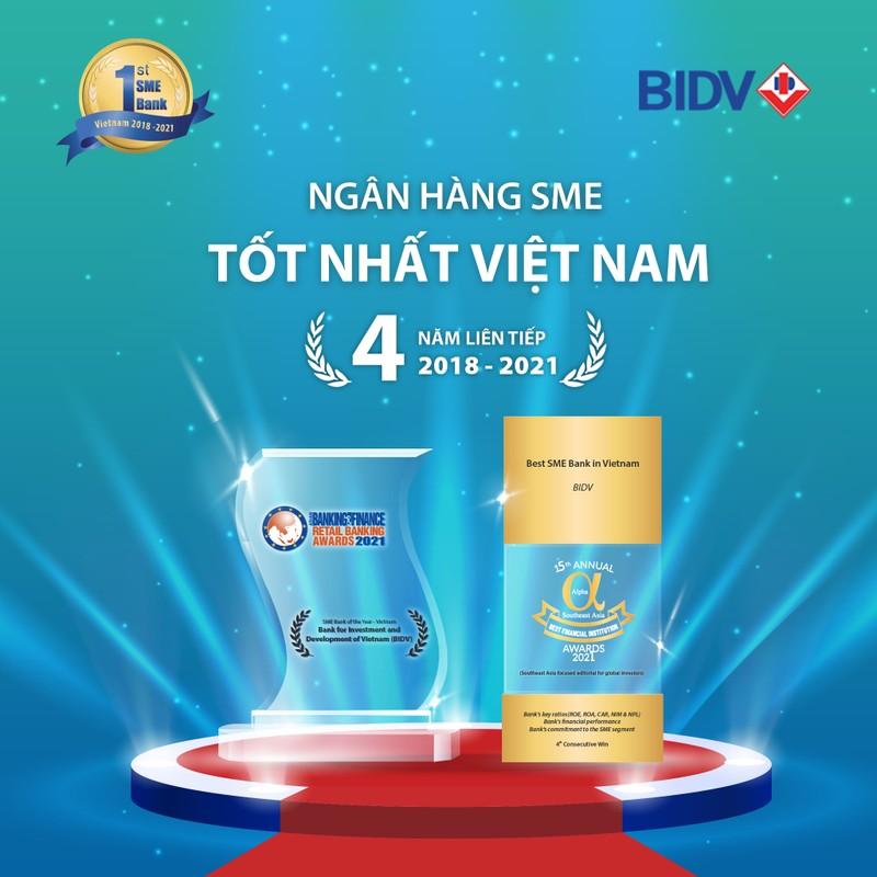 """BIDV nhan cu dup giai thuong """"Ngan hang SME tot nhat Viet Nam"""""""