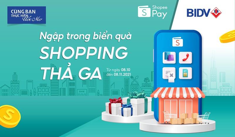 Ngap trong bien qua, shopping tha ga cung BIDV va ShopeePay