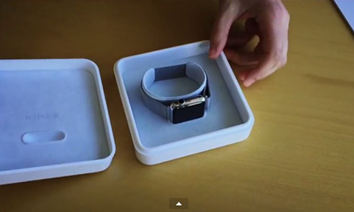 Xuat hien video dap hop Apple Watch truoc 15 ngay ra mat