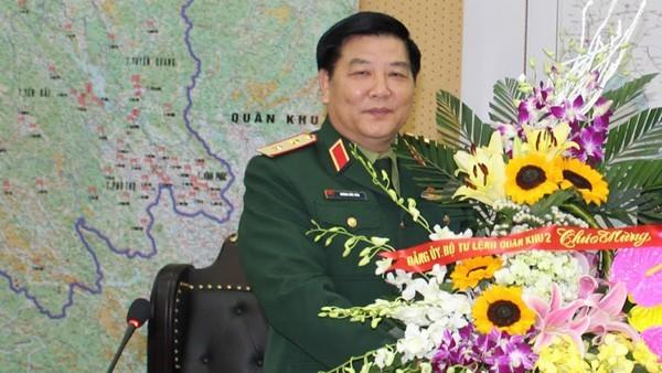 Trung tuong Duong Duc Hoa va nhieu tuong linh bi xem xet ky luat