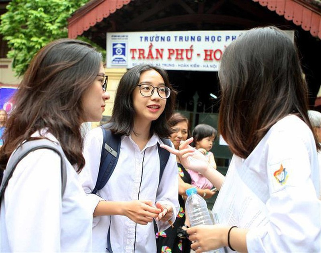 "COVID-19: Thi tot nghiep THPT 2020, thi sinh ""nam long"" dieu nay... thi tot, chong dich"