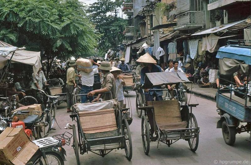 Hinh anh cuc sinh dong ve giao thong Ha Noi dau thap nien 1990-Hinh-4