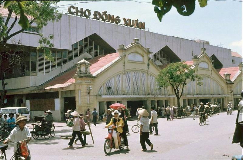 Hinh anh cuc sinh dong ve giao thong Ha Noi dau thap nien 1990-Hinh-5