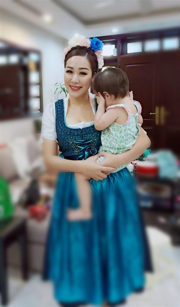 Con gai hoa hau Ngo Phuong Lan co to chat thanh my nhan-Hinh-4