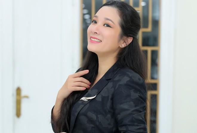 Thanh Thanh Hien sau ly hon: Cac con van luu luyen voi Che Phong-Hinh-2