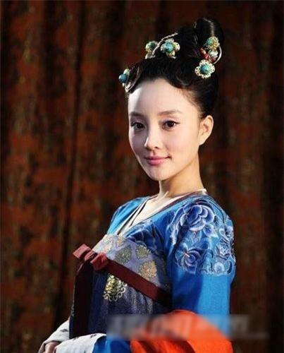Phan doi dang do cua cac cung nu Trung Quoc phong kien