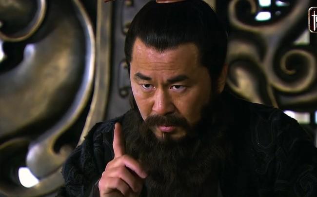 Khong bat tay voi Luu Bi, lieu Ton Quyen thang tran Xich Bich?