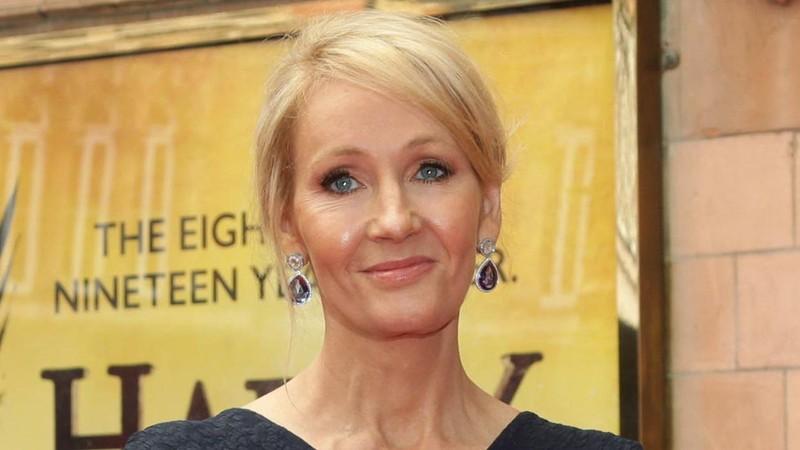 "Lan dau JK Rowling tiet lo khong dung ten that khi viet ""Harry Potter"""