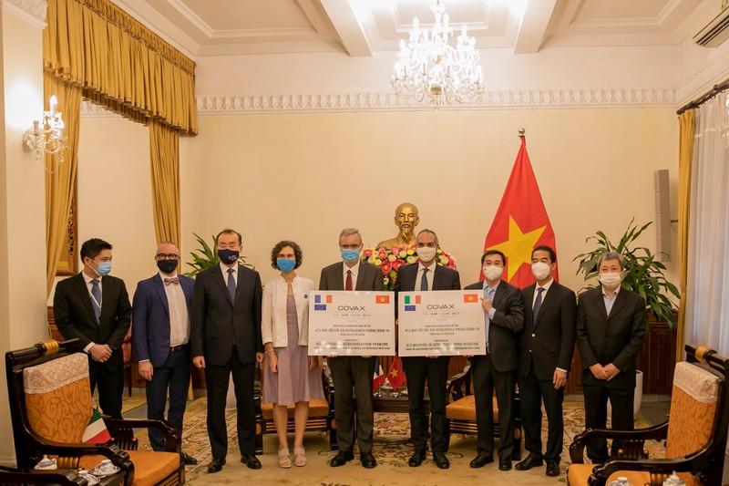 Nhat Ban tang Viet Nam 400.000 lieu AstraZeneca