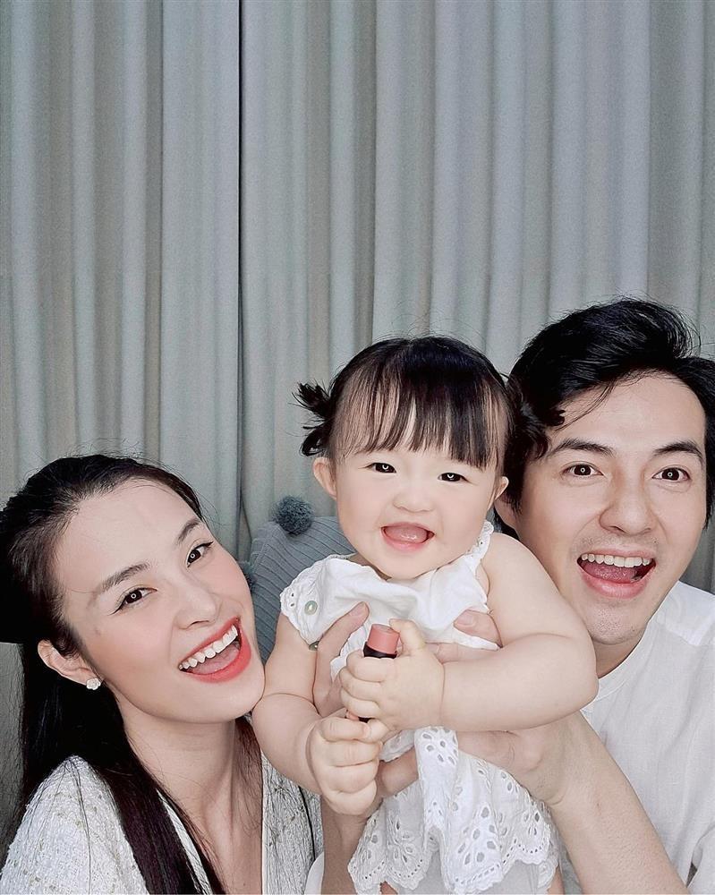 Con gai Dong Nhi an pho mai ma tuong... dap mat na-Hinh-5