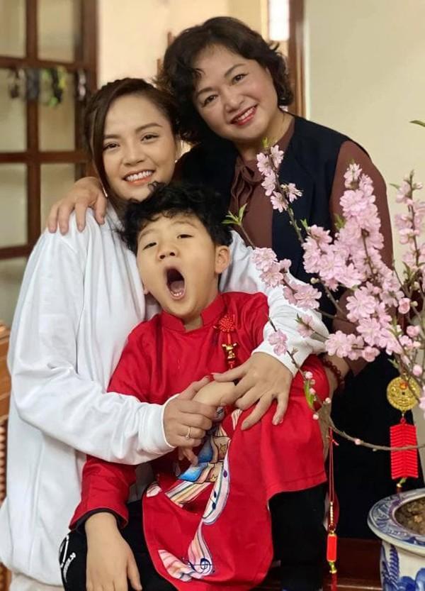 "Em trai ngoai doi that cua Khanh Thy ""Huong vi tinh than"": Cuc pham-Hinh-2"