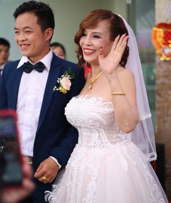 Sua di chuc, co dau 62 tuoi khien CDM khong khoi bat ngo-Hinh-2