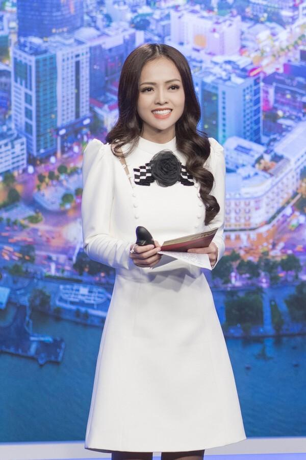 "Nu MC thoi su xinh dep ke chuyen ""single mom"" tuoi doi muoi-Hinh-7"