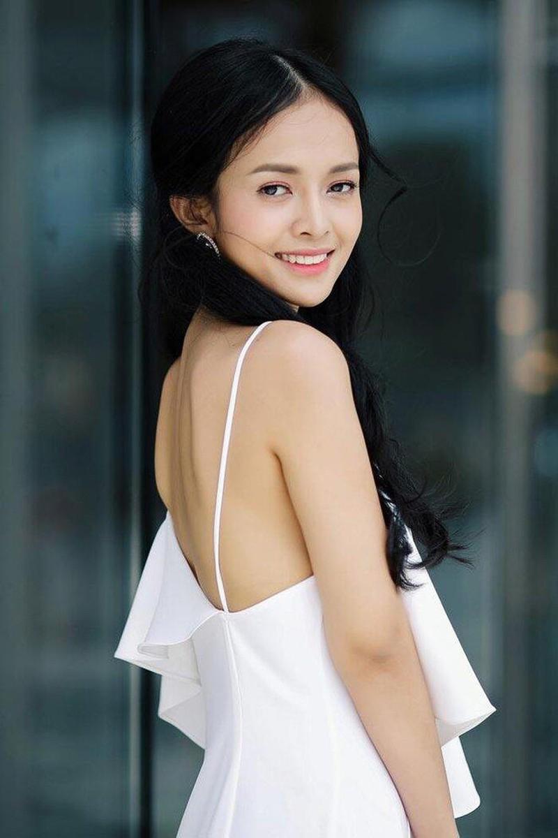 "Nu MC thoi su xinh dep ke chuyen ""single mom"" tuoi doi muoi-Hinh-9"