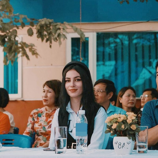 Dan hot girl Tay tung khien dan mang Viet xao xuyen la ai?-Hinh-2