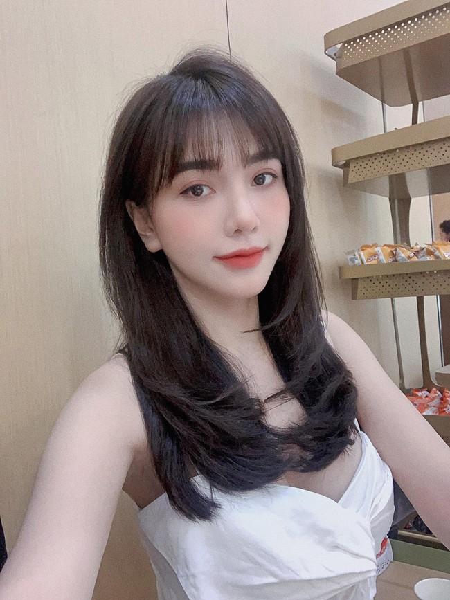 Ban gai cau thu Hoang Duc goi cam noi tieng lang WAGs Viet-Hinh-11