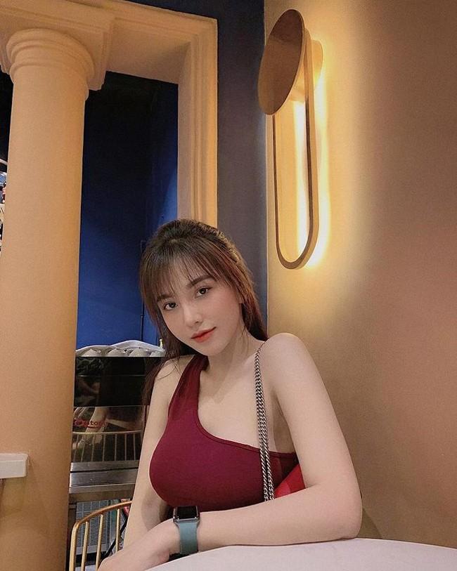 Ban gai cau thu Hoang Duc goi cam noi tieng lang WAGs Viet-Hinh-4