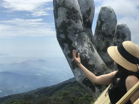 """Cau Vang Da Nang va nhung lan bi """"huy hoai"""" boi du khach-Hinh-9"""