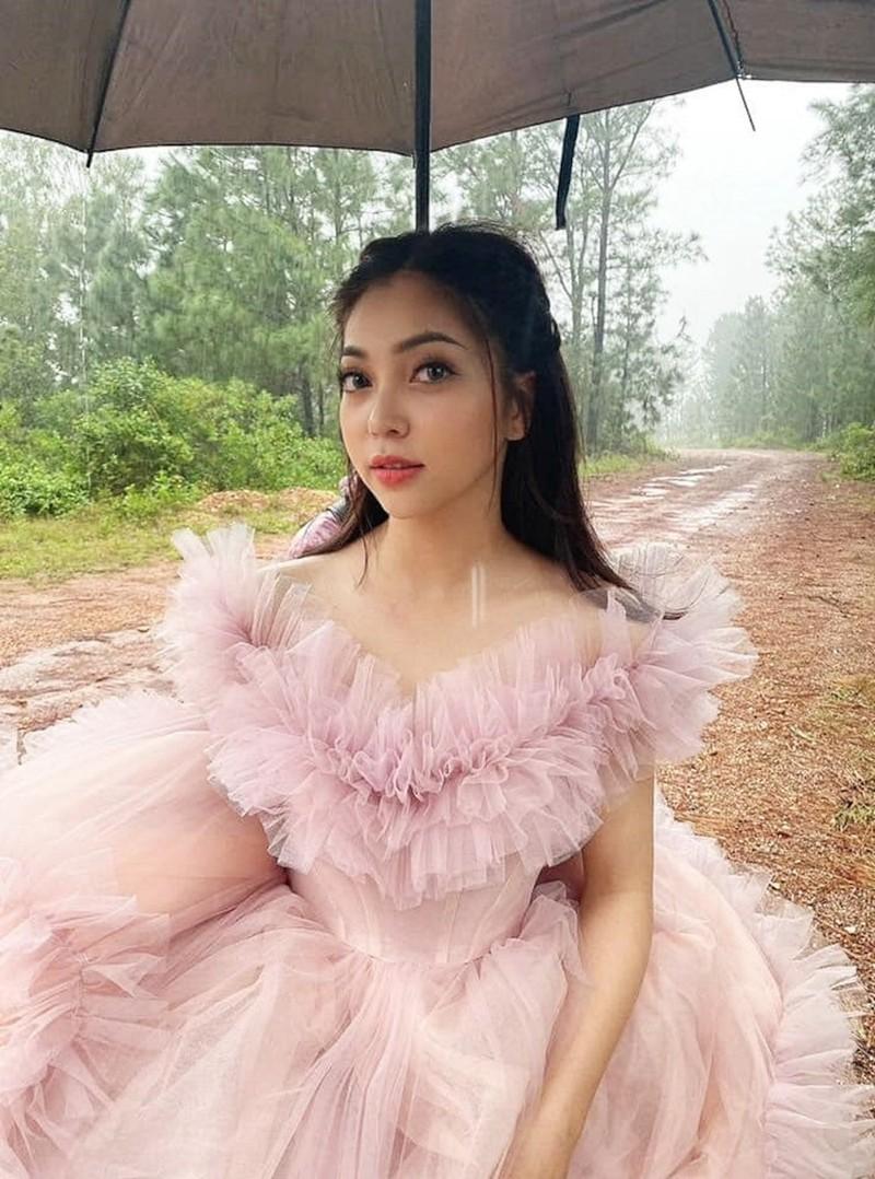 Bi don lay chong, tinh cu Quang Hai up mo ve ban trai moi-Hinh-5