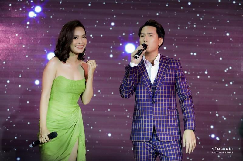 """""""Hoai Lam thu hai"""" nhac si Nguyen Minh Cuong phat hien la ai?"""