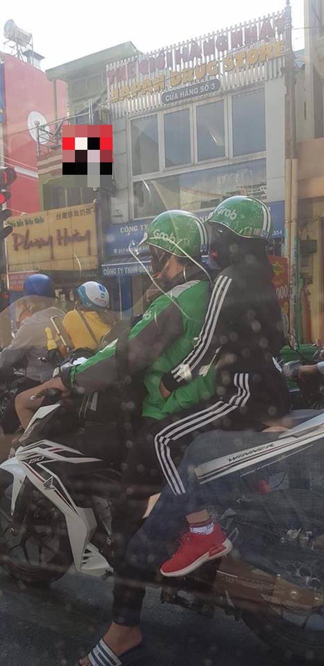Loat tai xe xe om cong nghe so huong, hoi FA nhin phat ghen-Hinh-8