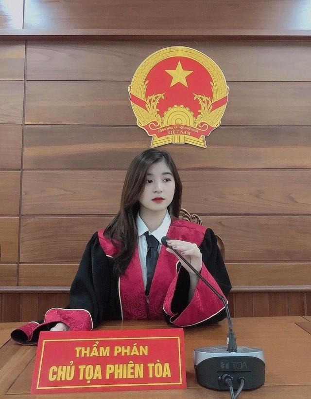 """""""Hot girl tham phan"""" gay thuong nho vi qua xinh la ai?"""