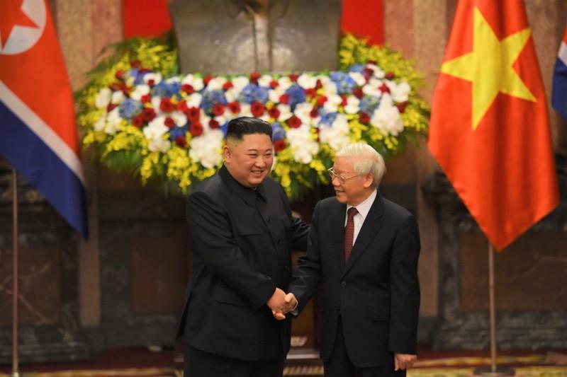 Ong Kim Jong Un chuc mung Tong bi thu, Chu tich nuoc Nguyen Phu Trong