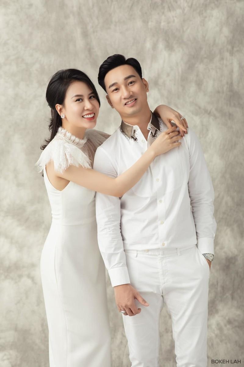 Chi Trung va Thanh Trung dang hanh phuc vien man-Hinh-6