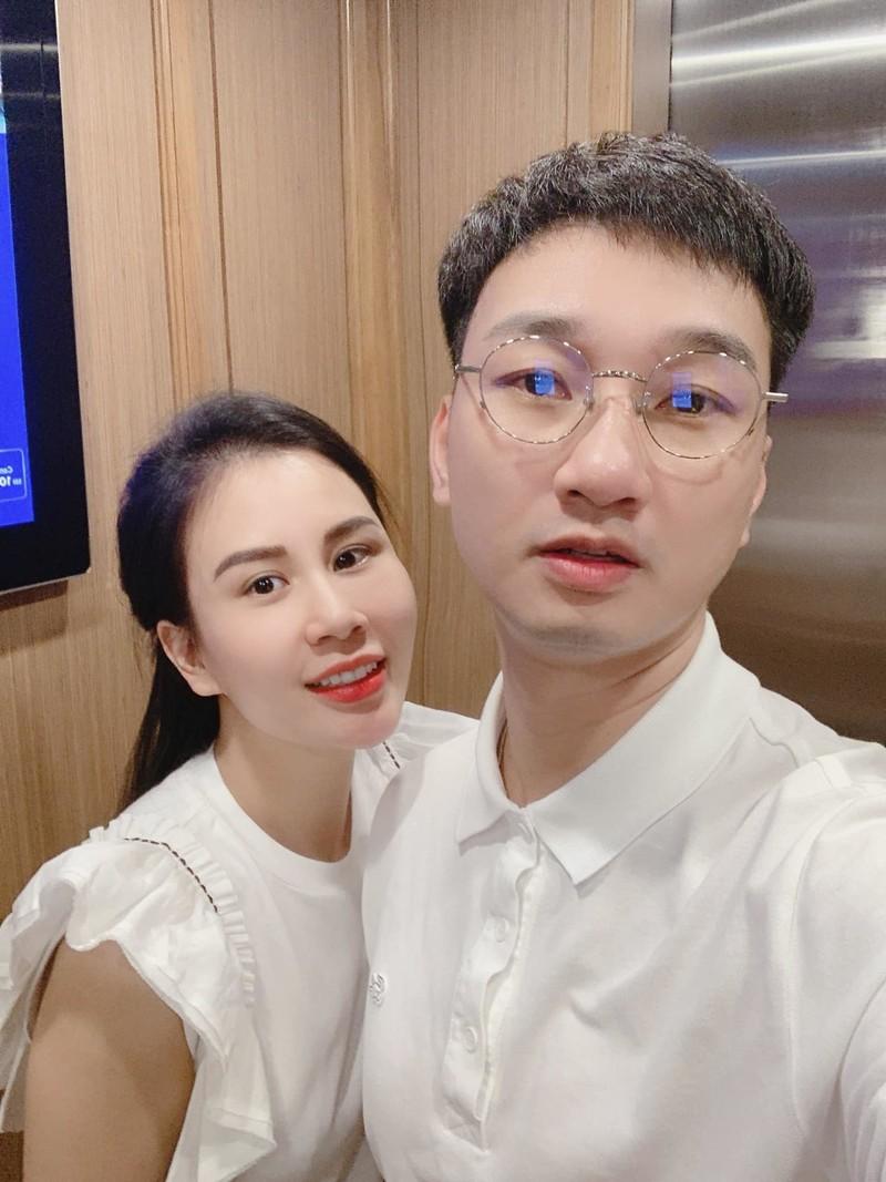 Chi Trung va Thanh Trung dang hanh phuc vien man-Hinh-7