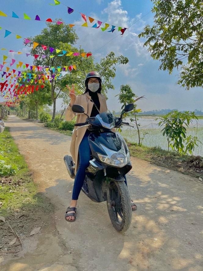 Hoa hau Do Thi Ha lo diem la thuong-Hinh-10